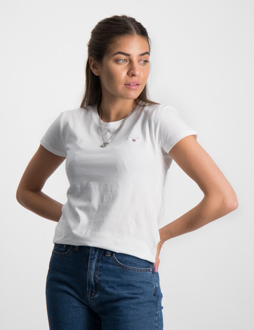 THE ORIGINAL FITTED T-SHIRT