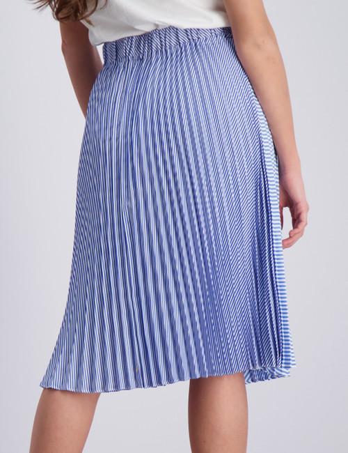 Midi length pleated skirt