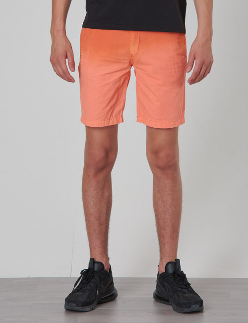 Lightweight chino shorts with washing